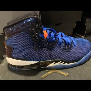 Nike Jordan knicks youth size 5